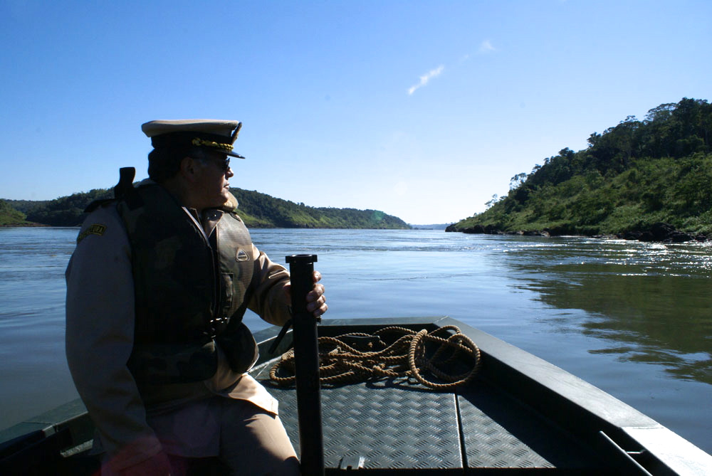 Prefect patrolling Río Paraná, which marks the border between Argentina and Paraguay.