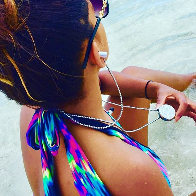 Jewellery earphones the perfect accessory for those beach holidays! #holiday #swimsuit #accessories #sunshine #music #stylish #fashiontech #wearable #earphones #headphones #sea #travel #jadoreadorn #innovation #fashtech #innovation #swarovski #fashion #bikini #shorttrip #beach