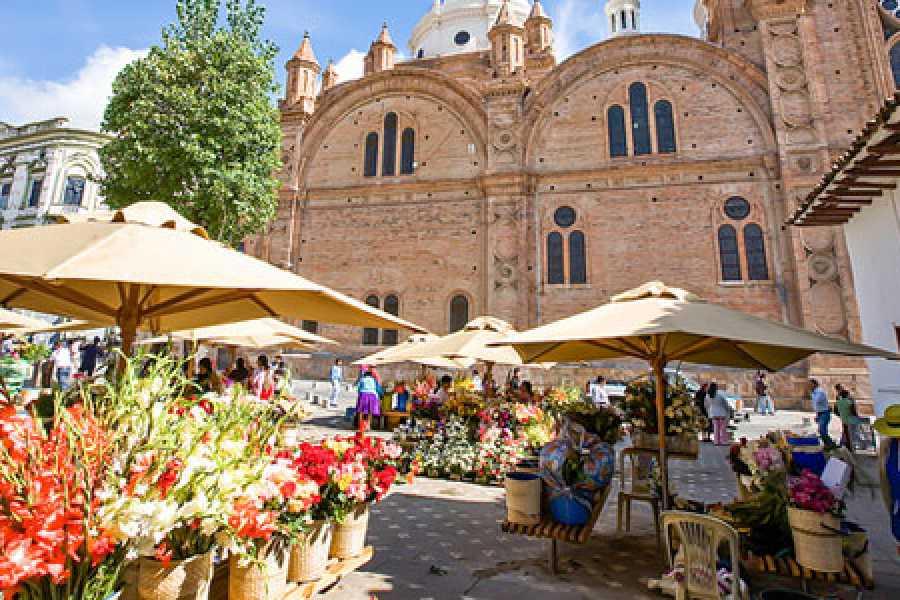 cuenca market.jpg