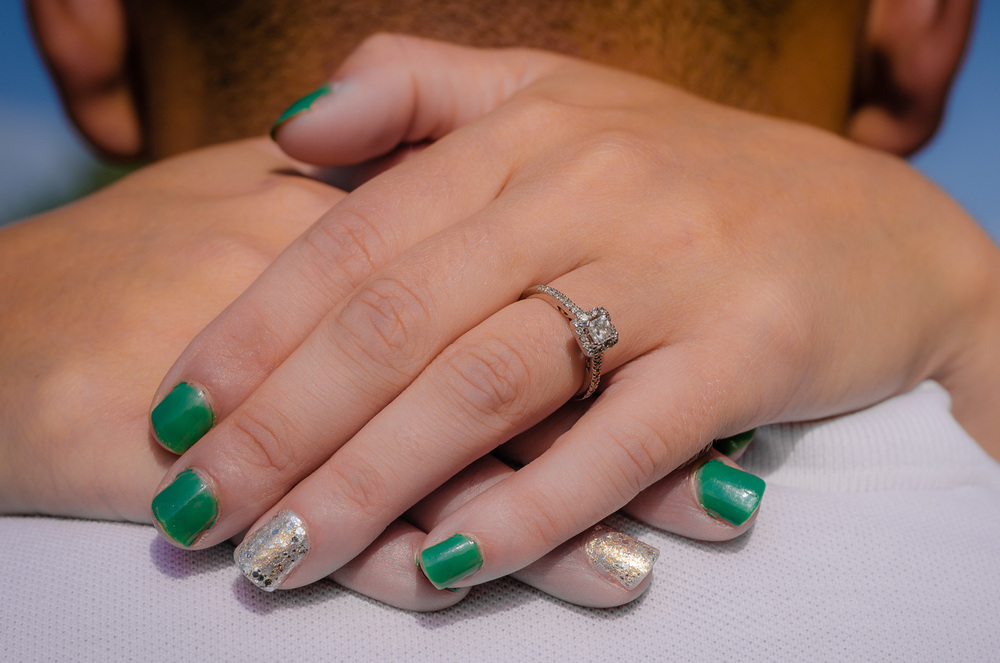 Emerald and Silver will be her wedding colors......don't you just LOVE these nails!