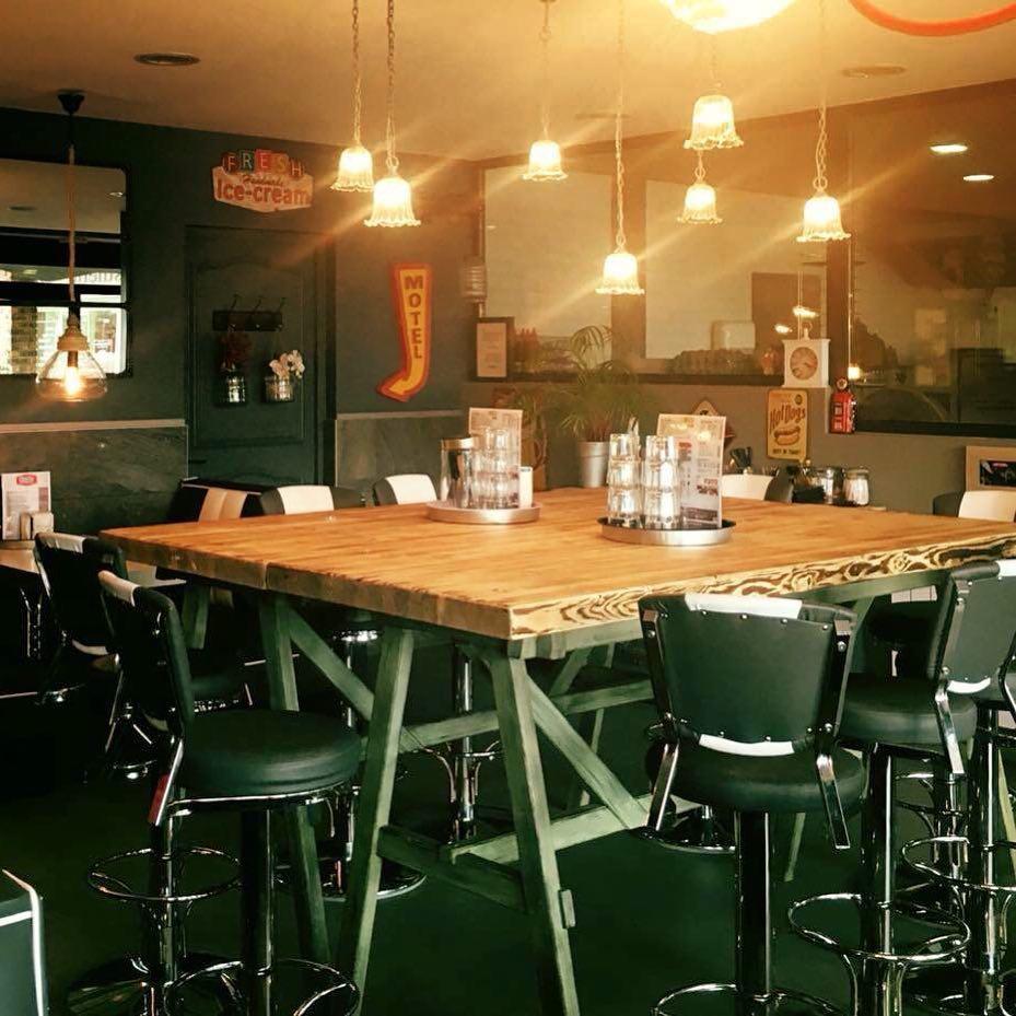 Table haute pour restaurant
