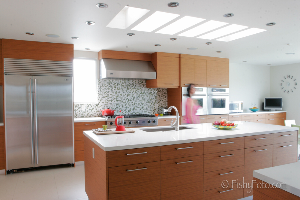Modern kitchen in Brentwood.  #FishyFoto