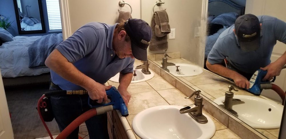 tile and grout cleaning in lehi, the edge of the bathroom counter.jpg