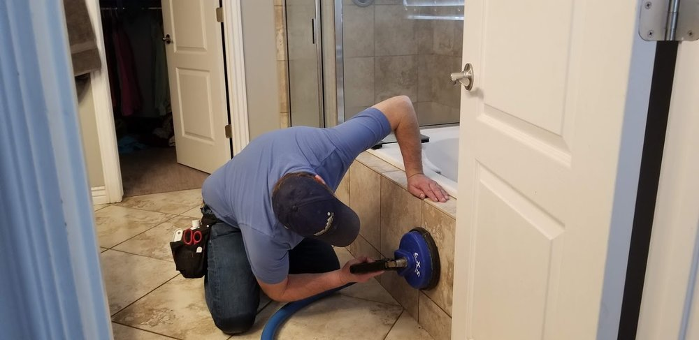 Tile and grout cleaning in Lehi, the outside of the tub.jpg