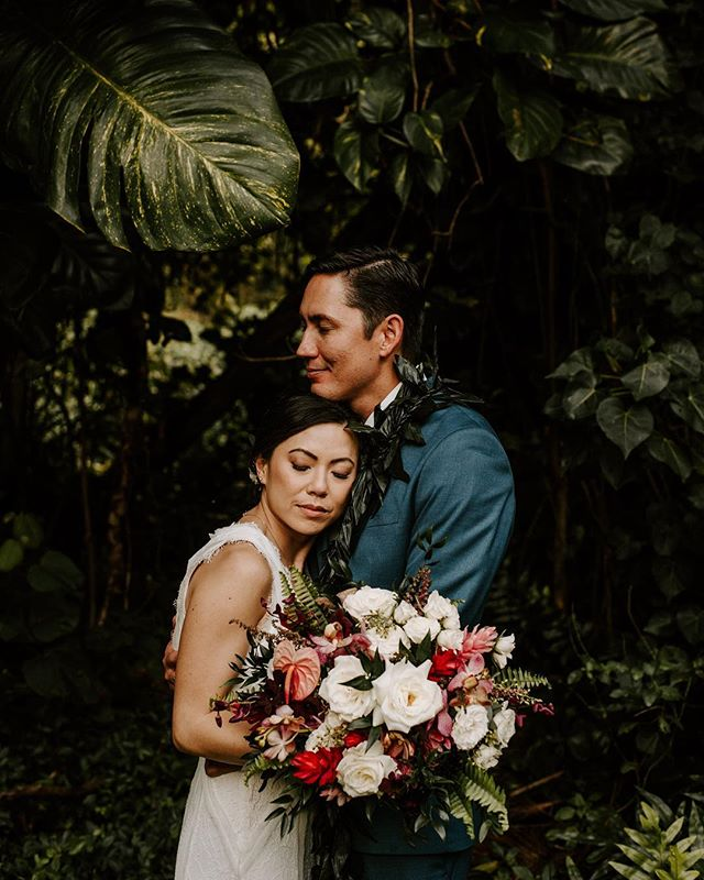 Aloha State of Mind♥️ . . . . . #sandiegoweddingphotographer #momentsoverposes #oahuwedding #hiweddings #wedhawaii #luckywelivehawaii #hawaiiwedding #hawaiiweddingphotographer #thatsdarling . #oahuweddingphotographer #oahuwedding #hiweddings #wedhawaii #luckywelivehawaii #sandiegoweddingphotographer #sandiegowedding #sandiegobride #momentsoverposes #momentsovermountains #teethsoclean . #oahuwedding #oahuweddings #hawaiiwedding #hawaiiweddingphotographer #sandiegoweddings #sandiegoweddingphotographer #wedhawaii #belovedstories #loveandwildhearts #bohobride #tropicalwedding #junebugweddings #goldenlovestories #loveintentionally #luckywelivehawaii #authenticlovemag #momentsoverposes #momentsovermountains #vscohawaii #thehappynow