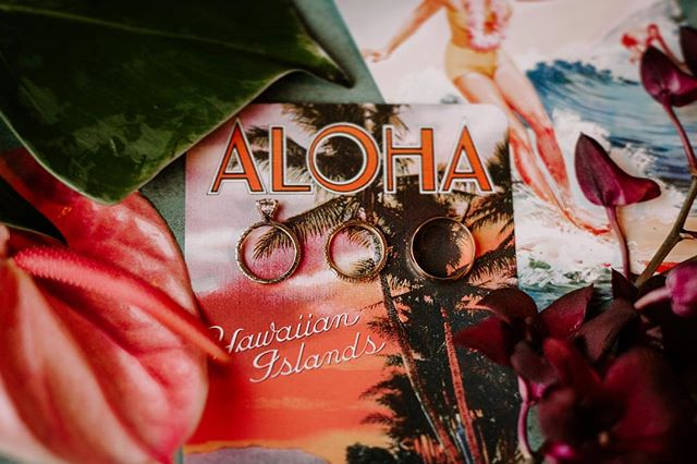 My kind of details🌿 . . . . . . #sandiegoweddingphotographer #momentsoverposes #oahuwedding #hiweddings #wedhawaii #luckywelivehawaii #hawaiiwedding #hawaiiweddingphotographer #thatsdarling . #oahuweddingphotographer #oahuwedding #hiweddings #wedhawaii #luckywelivehawaii #sandiegoweddingphotographer #sandiegowedding #sandiegobride #momentsoverposes #momentsovermountains #teethsoclean . #oahuwedding #oahuweddings #hawaiiwedding #hawaiiweddingphotographer #sandiegoweddings #sandiegoweddingphotographer #wedhawaii #belovedstories #loveandwildhearts #bohobride #tropicalwedding #junebugweddings #goldenlovestories #loveintentionally #luckywelivehawaii #authenticlovemag #momentsoverposes #momentsovermountains #vscohawaii #thehappynow