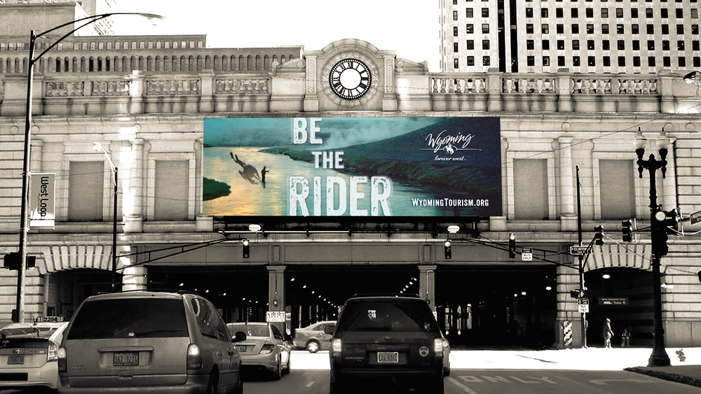 BTR_maxus_billboard_chi_in_situ-3.jpg