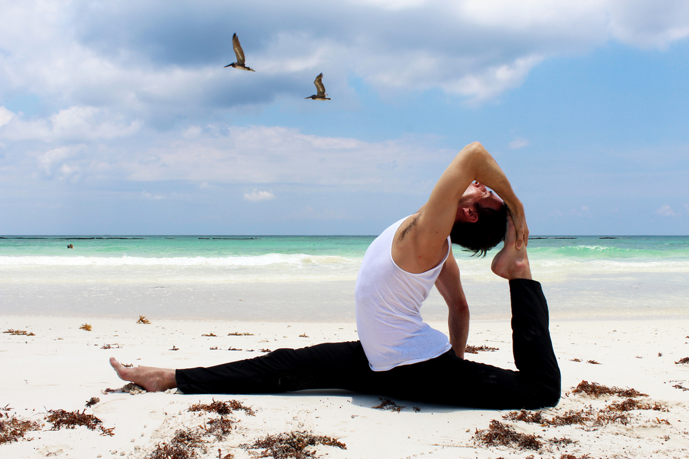 Hanumanasana - Backbend - Beach.jpg