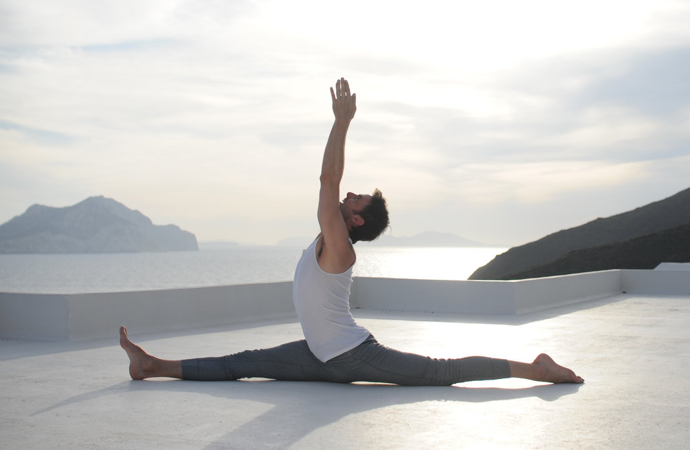 Cropped Hanumanasana - No Photoshop.jpg