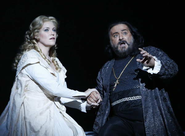 Erin Wall as Desdemona and Antonello Palombi as Otello. Photo credit: Tim Matheson