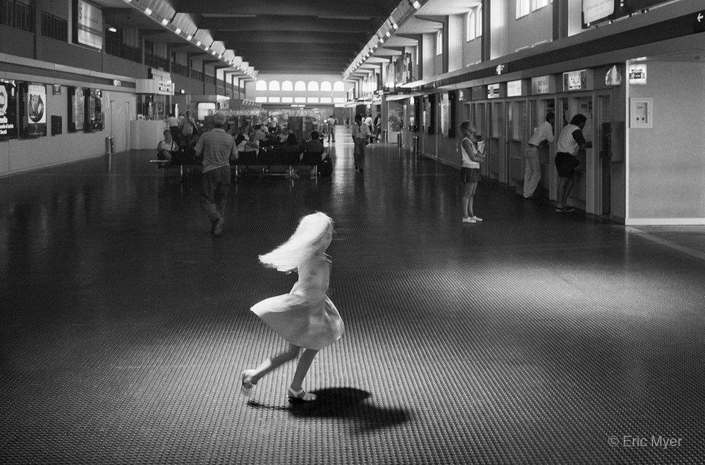 1994_08_Sabrina_Dancing_Sardegna_Olbia_Airport_Blog.jpg