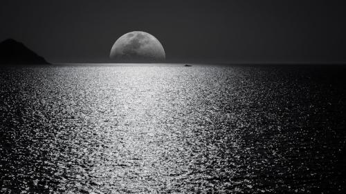 black-and-white-boat-darkness-748626.jpg