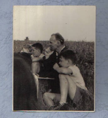 Leon Allen with campers, early 1940's