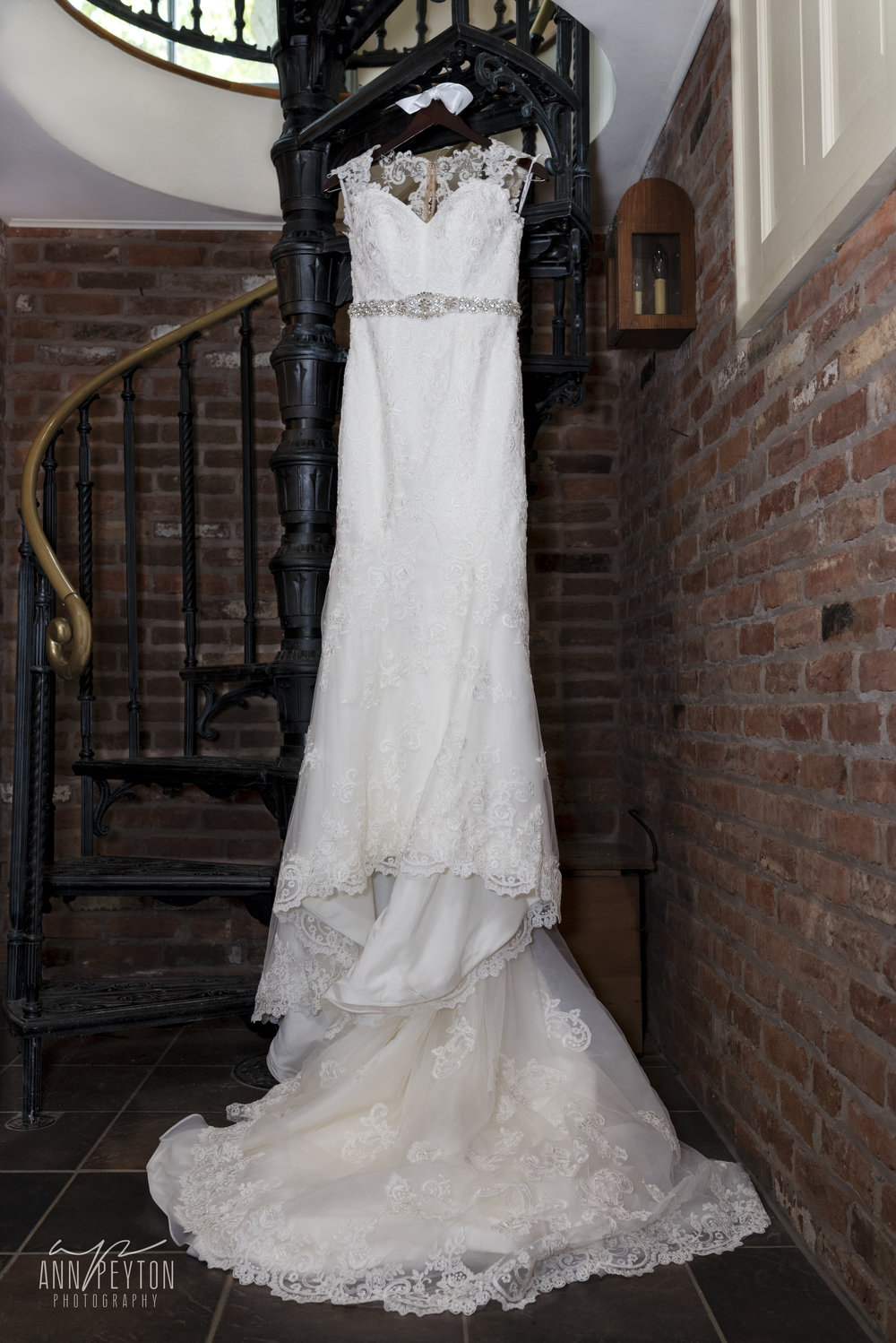 Britany wedding dress hanging_DSC3588.jpg