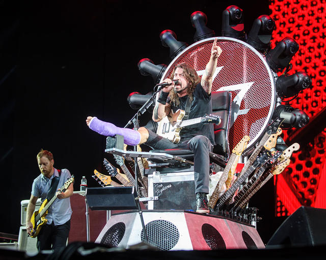 Grohl made us watch a dumb video on how he created this throne. Image per FastCoCreate.