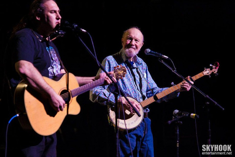 Silent Bear performing with Pete Seeger. Photo Credit: Skyhook Entertainment