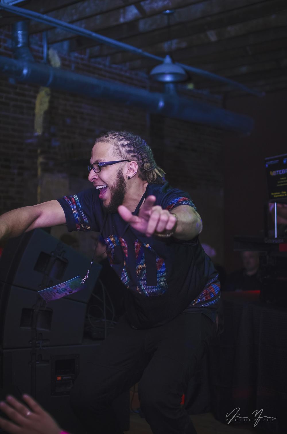 DJ LiTE BRiTE.
