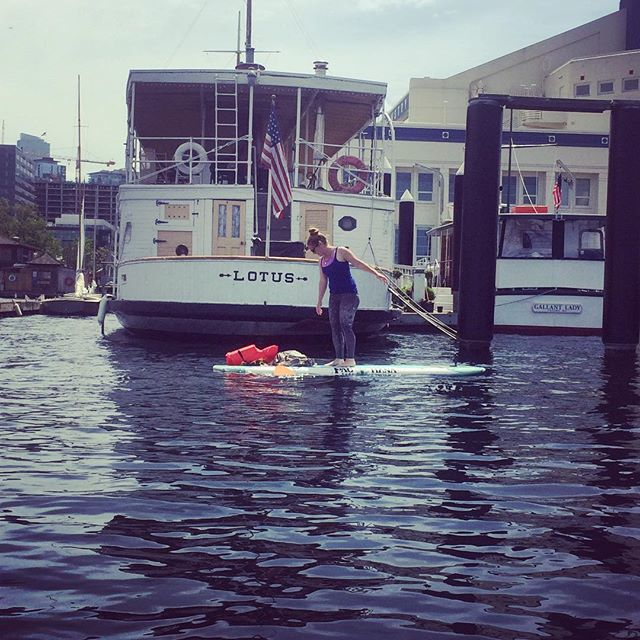 #sundayfunday on #lakeunion soaking up the sun in #seattle. So many #boats. Her name was #lotus