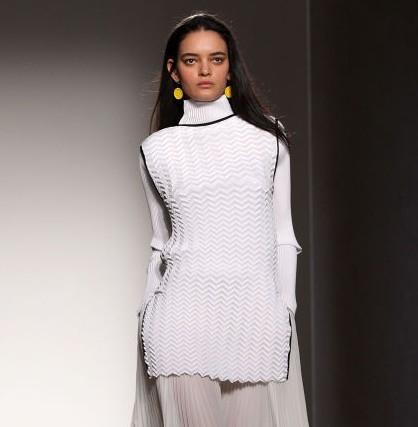 HG-NewsBits-3-4-15-london fashion wk photos-Elle-also NY FWK
