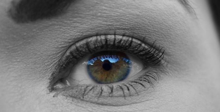 Woman_Eye_Health