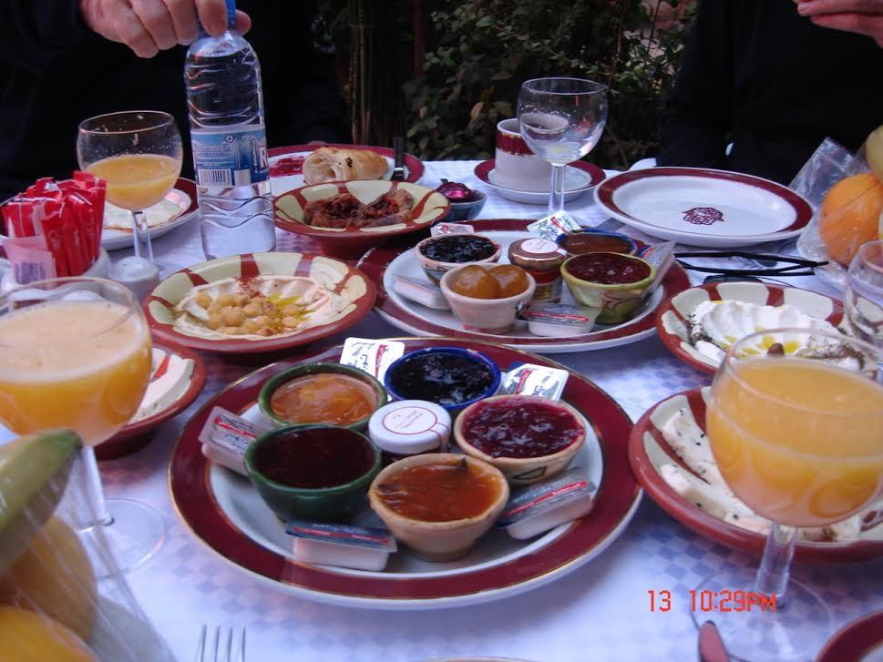 breakfast in damascus.jpg