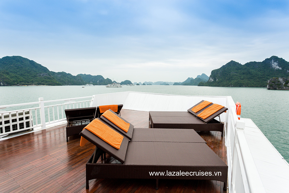 L'Azalee Cruises_Overnight Cruise_Facilities_Sun deck (4).jpg