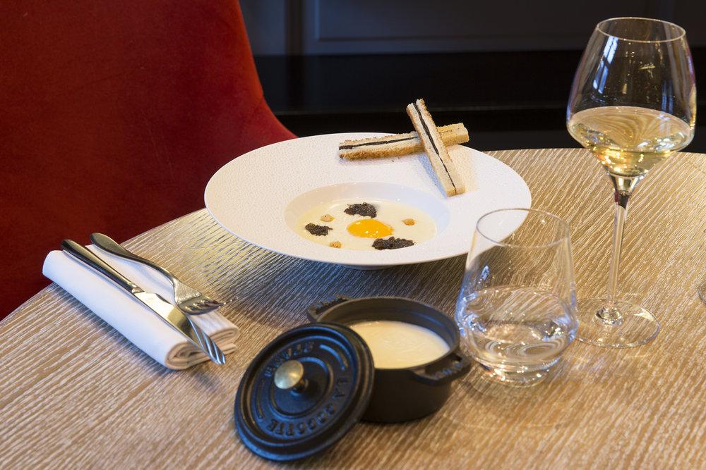 HotelMontBlanc-Restaurant-6.jpg