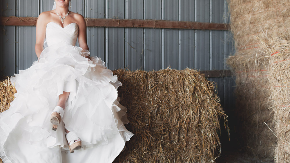 WEDDING HAY BALES