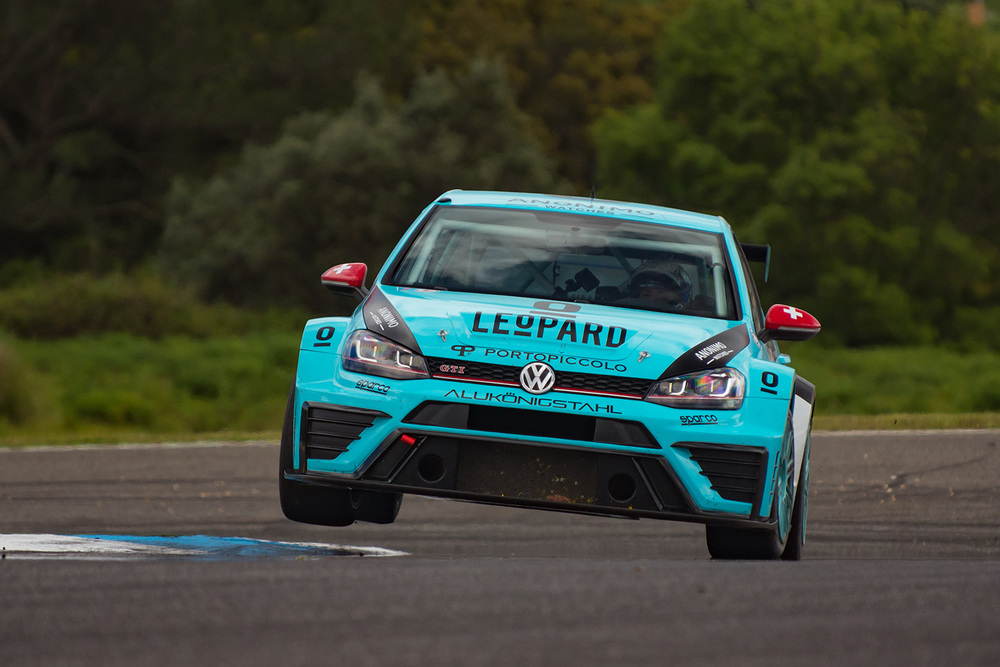 Stefano Comini over the curb during private tests at Estoril after the Round 2 of TCR International Series.