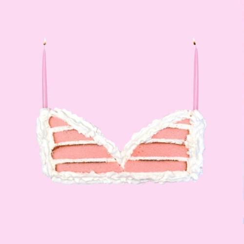 @lizzie_darden  Best nursing bra we've ever seen.jpg