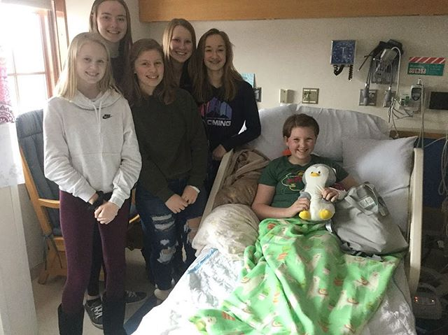 Morgan and friends had a blast handing out PAB'S PACKS to the teens @mayoclinic Thanks for having their backs! #pabspacks #teensgivingback #wegotyourback