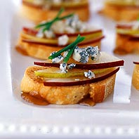 Crostini with Gorgonzola, Pear and Honey