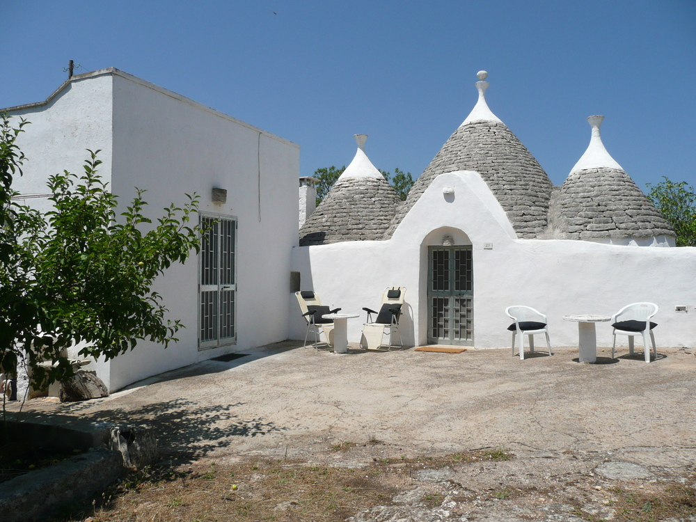 Trullo with Lamia adjacent