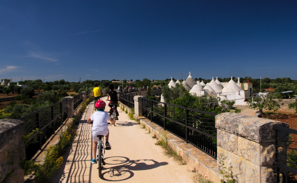 puglia-aqueducts-bike-path-.jpg
