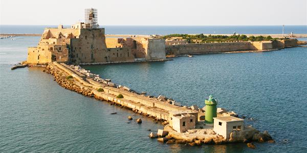 Brindisi port location.png