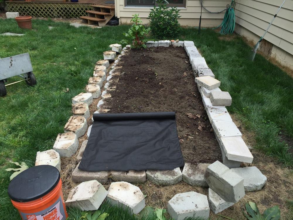 air & water PERMEABLE weed block