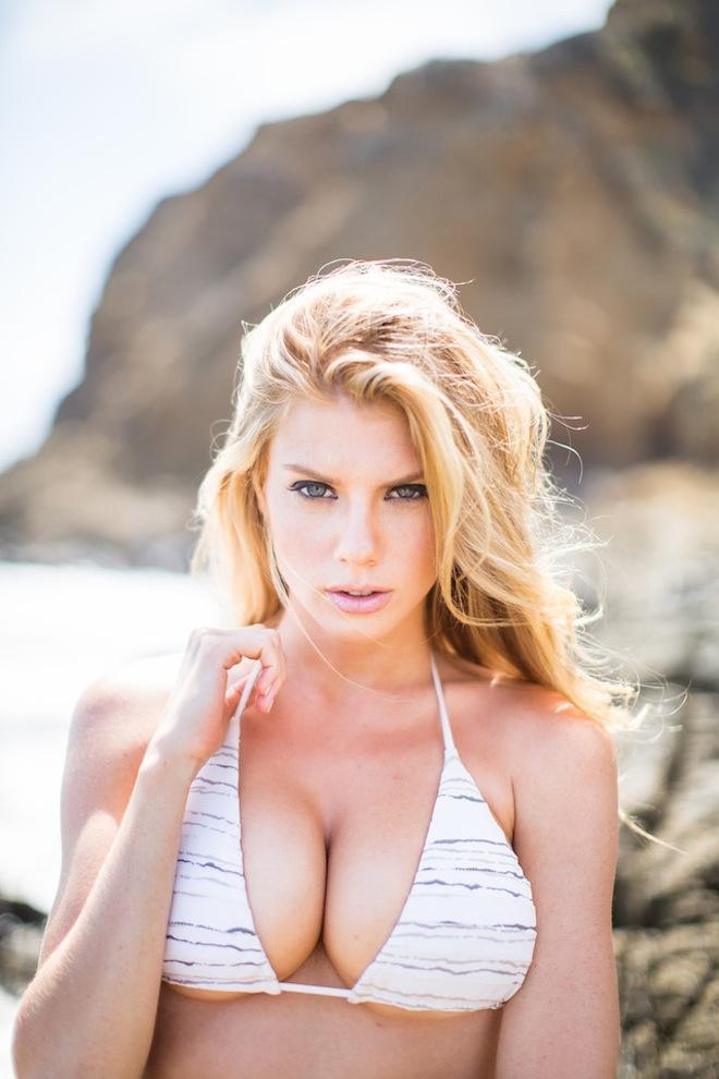 charlotte-mckinney-hottest-photos-1.jpg