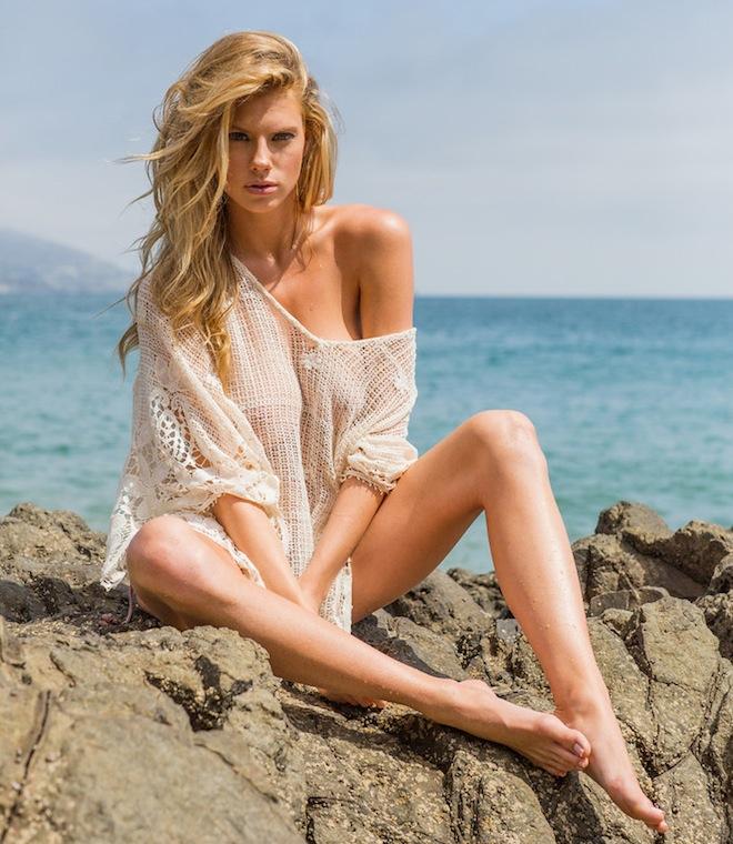 charlotte-mckinney-hottest-photos-13.jpg