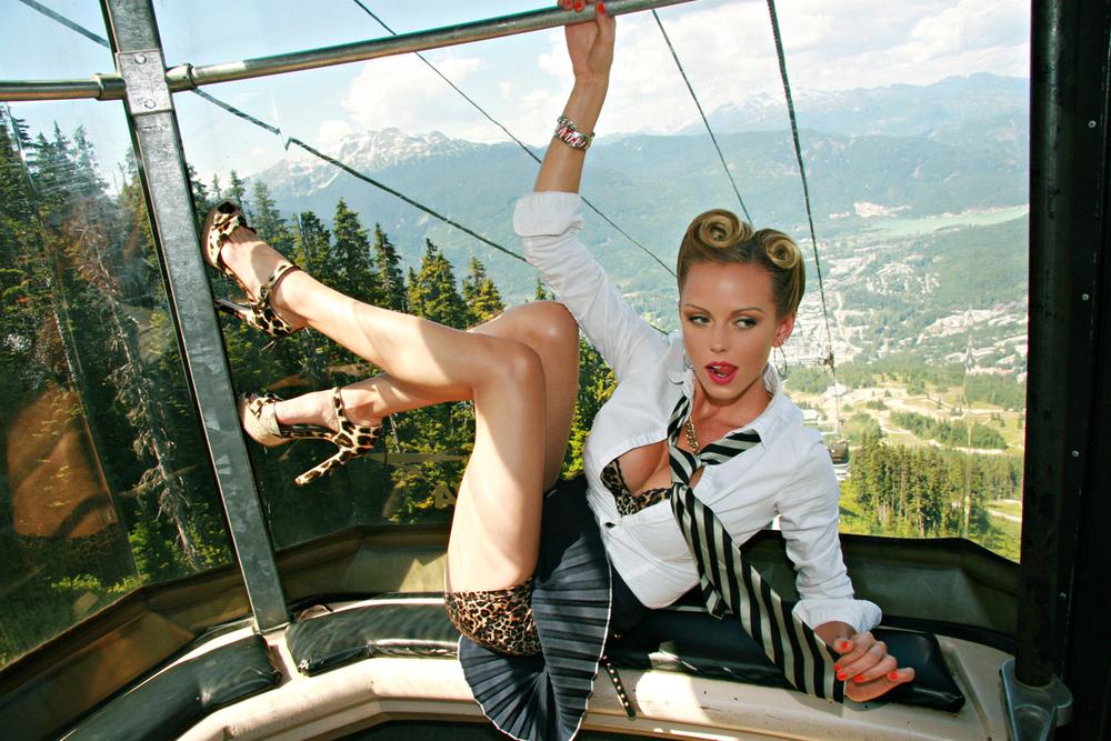 lindsay-hancock-gondola-whistler-blackcomb-canada.jpg