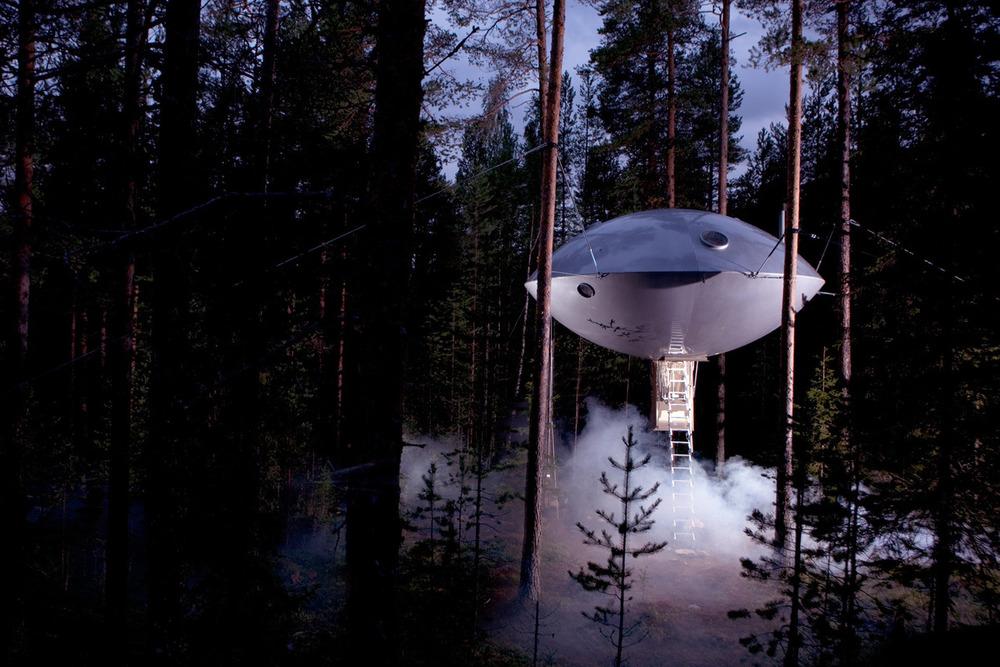 UFOhotel.jpg