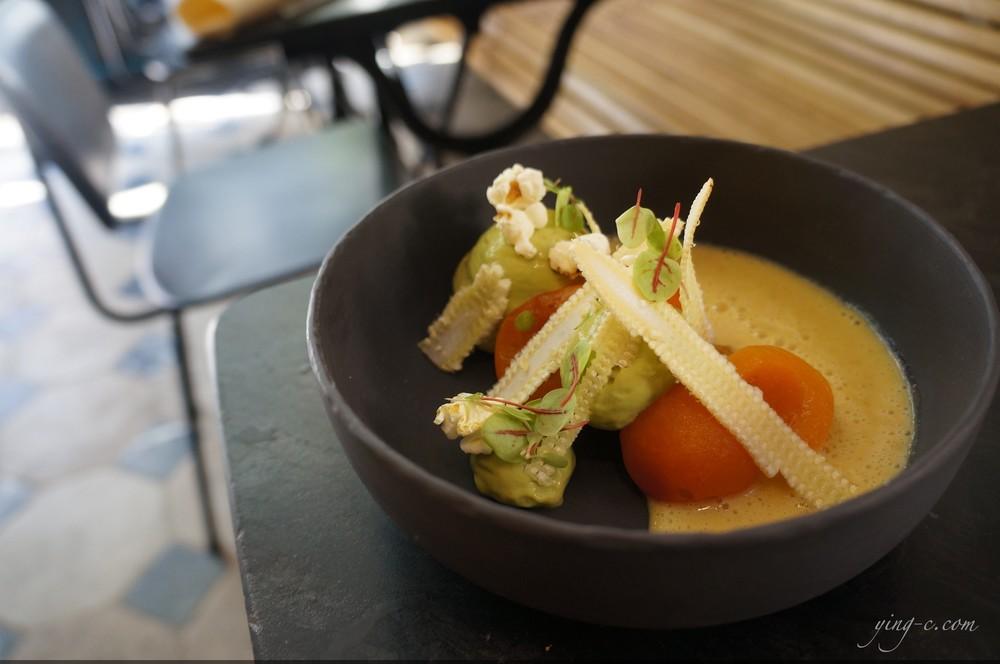 """"""" maïs, abricots, l'oseille """" (corn, apricots, sorrel)"""