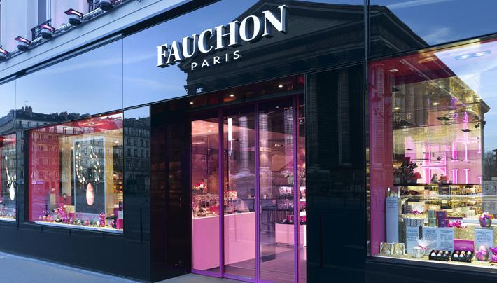 圖4. 位於巴黎瑪德蓮廣場旁邊的 Fauchon 總店店面。(圖片來源: Fauchon官網 )