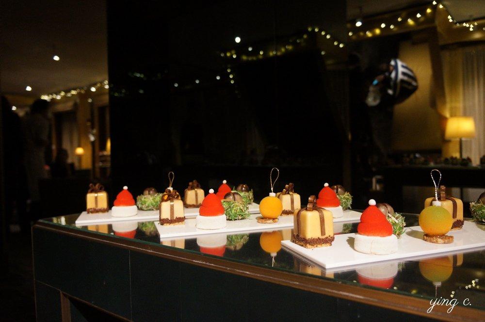 Park Hyatt Vendôme Paris的2018聖誕節下午茶(tea time)甜點。