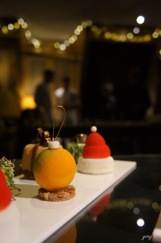 「Boule de noël」可愛的聖誕節裝飾燈泡造型蛋糕。