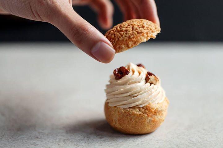 我為自己甜點課設計的焦糖榛果泡芙。(圖片來源: 4F Cooking Home )