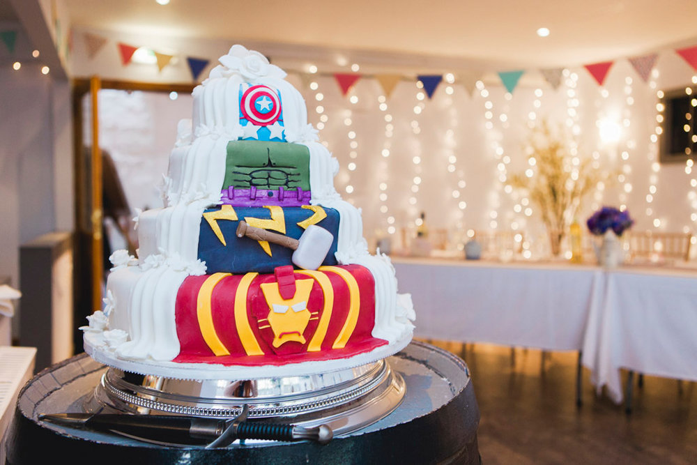 050-super-hero-wedding-cake.jpg