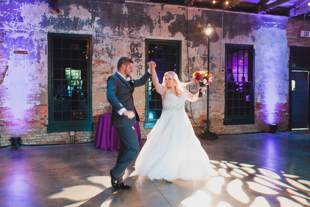059-first-dance-wedding.jpg