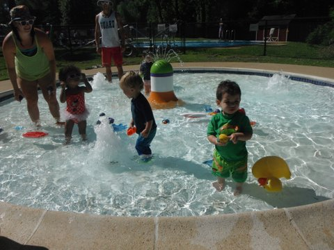 water play for toddlers in splash garden
