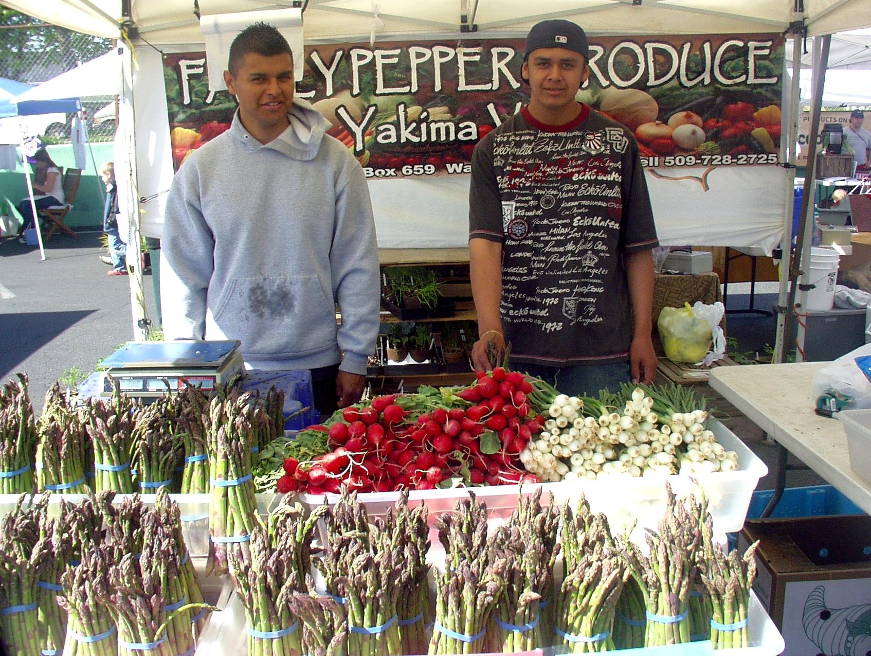 Family Pepper Produce from Wapato at Madrona Farmers Market last Friday. Photo copyright 2009 by Zachary D. Lyons.