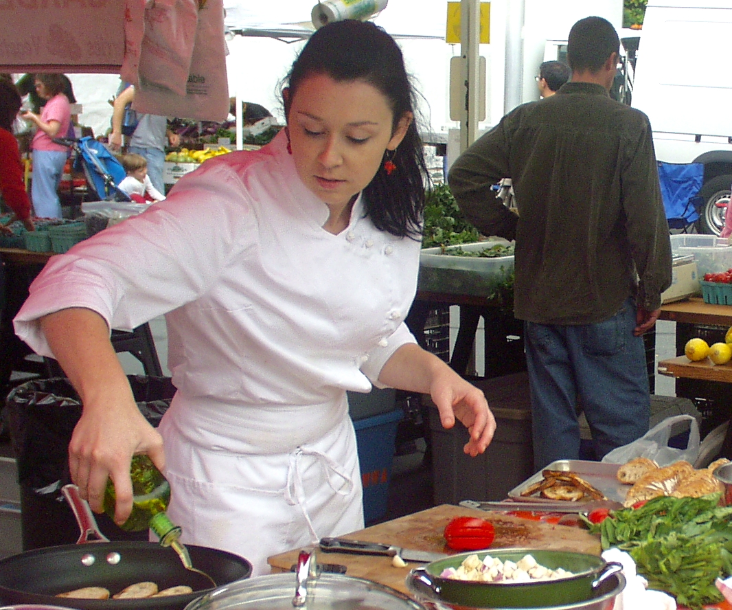 Chef Allyss Dillon, from Elemental Next Door, at the Wallingford Farmers Market in 2008. Photo copyright 2008 by Zachary D. Lyons.